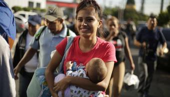 mujeres el salvador se unen caravana migrante huir de pandillas