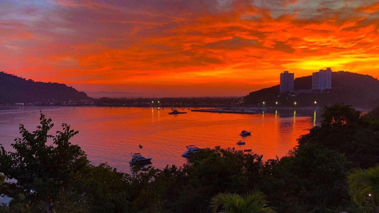 Turistas canadienses arriban a playas de Acapulco