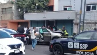 Accidente automovilístico deja dos muertos en avenida Coyoacán