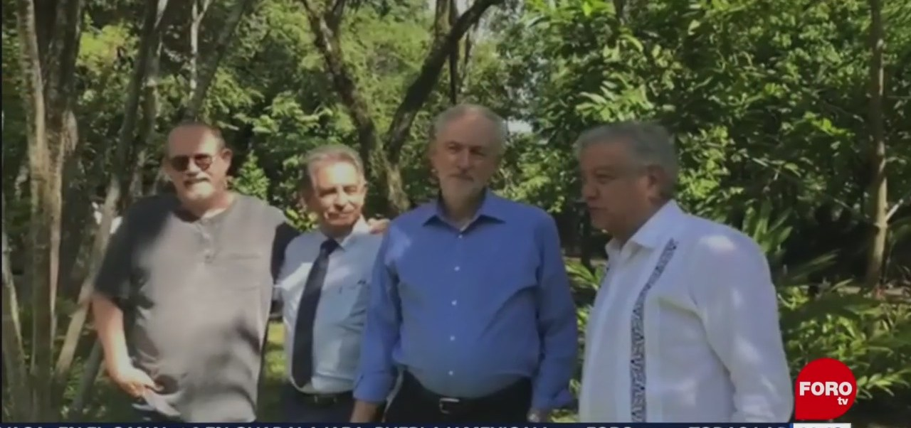 AMLO aparece con Silvio Rodríguez, Jeremy Corbyn, y Miguel Ángel Revilla