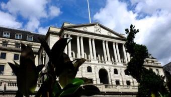 Brexit sin pacto tumbaría libra y dispararía inflación