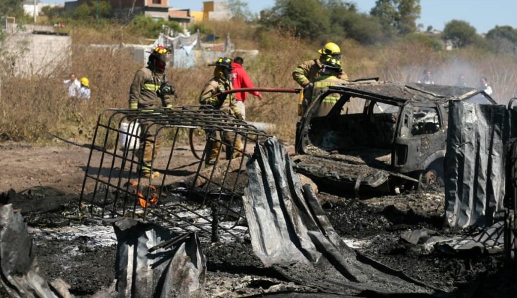 Bodegas con 'huachicol' se incendian en Morelia, Michoacán