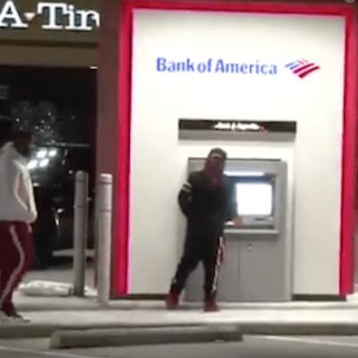 Cajero automático entrega por error billetes de mayor denominación