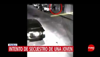 Captan en video intento de secuestro en Puebla