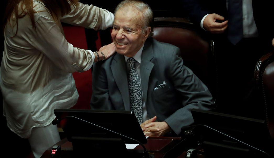 Juez autoriza a Menem viajar a Chile por operación de hijo
