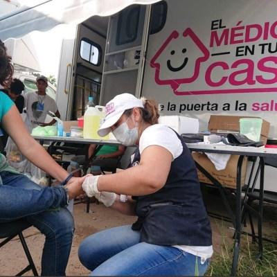 Curan a caravana migrante de enfermedades respiratorias, micosis, conjuntivitis y heridas en pies