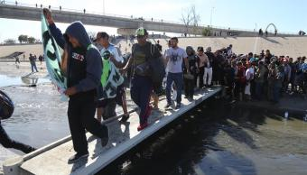 Deporta INM a 98 migrantes extranjeros por enfrentamiento EU