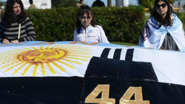 ARA San Juan mantiene en luto a Argentina