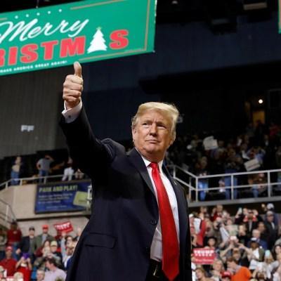 Trump amaga con paralizar gobierno si Congreso no financia muro fronterizo