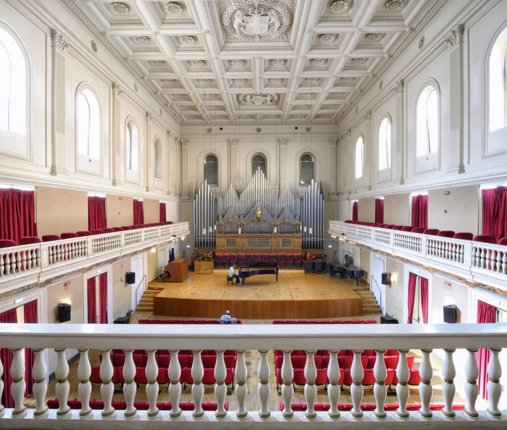 El Conservatorio Santa Cecilia se encuentra en donde se fundó la Academia de Música. Al fondo, el órgano de la sala principal (ConservatorioSantaCecilia)