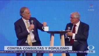 En México, Blair se pronuncia contra consultas en temas especializados