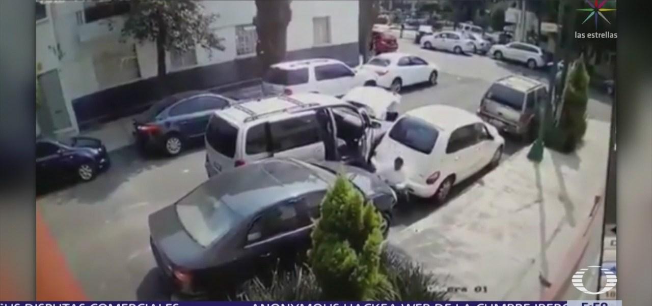 En segundos, roban faros de coche en la colonia Condesa, CDMX