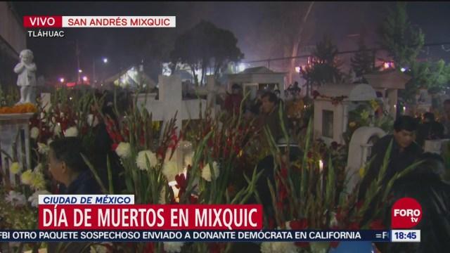 Encienden velas en San Andrés Mixquic