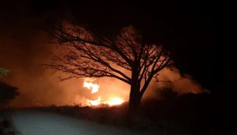Se registra explosión e incendio en ducto de Pemex en Oaxaca