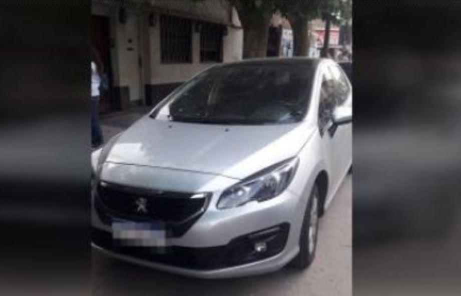 Bebé muere en auto al ser olvidada por su padre en Argentina