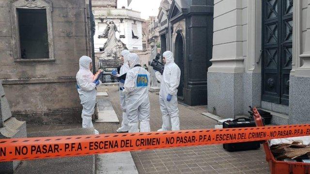Atentado en cementerio de Buenos Aires deja lesionados