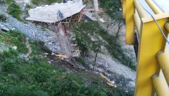 Colapso de puente deja 5 muertos en Colombia
