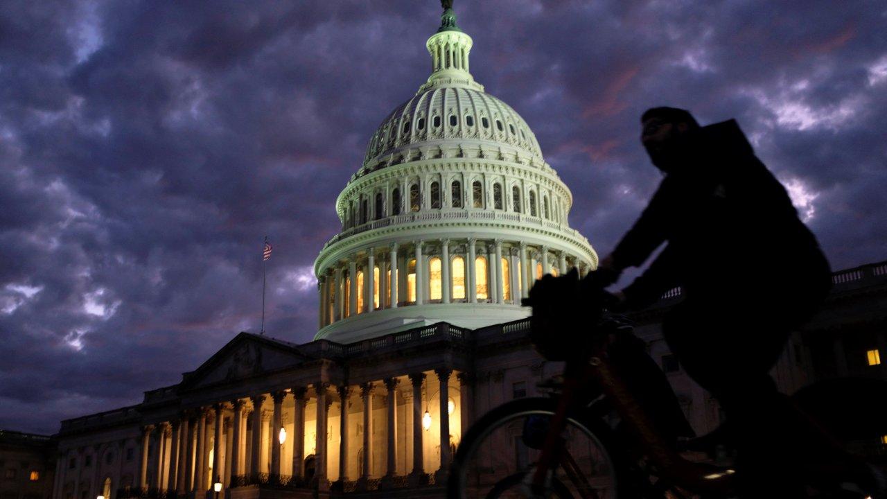Republicanos Senado y demócratas Cámara de Representantes