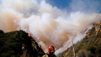 California incendios: Van 74 muertos y 1,011 desaparecidos