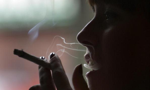 Gibraltar subirá impuestos al tabaco y gasolina por Brexit