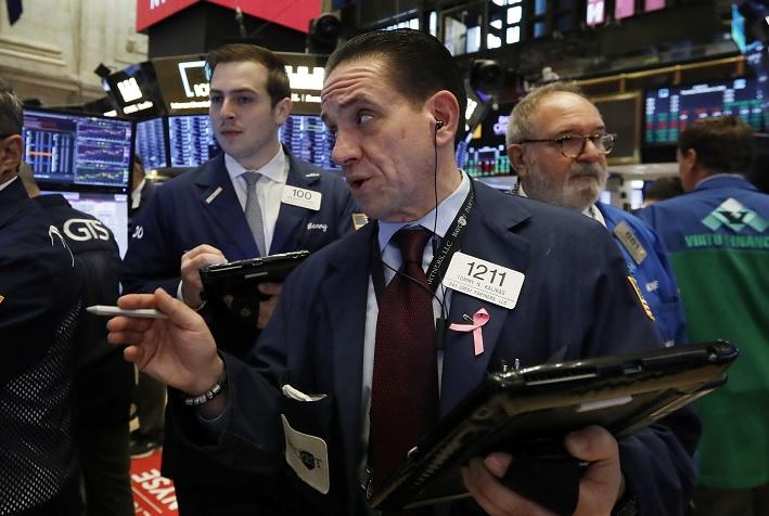Wall Street cierra mixto y el Dow Jones sube 0.04 por ciento