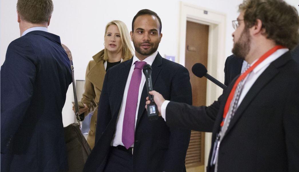 Juez rechaza aplazar ingreso a prisión de exasesor de Trump