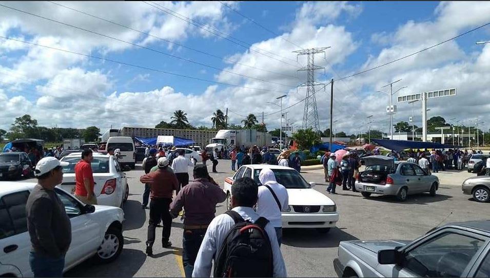 Integrantes de la CNTE bloquean puntos carreteros en Chiapas
