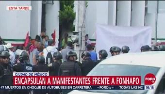 Integrantes de El Barzón se manifiestan frente a Fonhapo