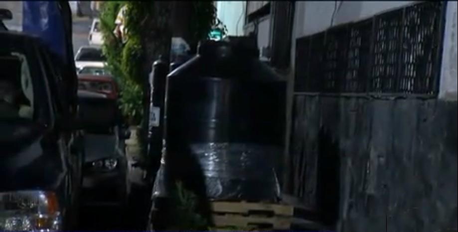 Intentan robar tinacos de operativo para corte de agua en CDMX