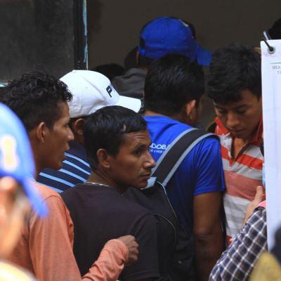 Inicia repatriación de 210 centroamericanos de quinta caravana migrante
