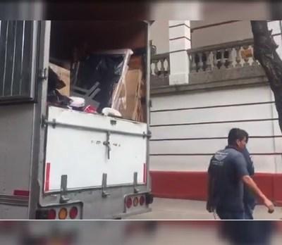 Inicia la mudanza en casa de transición de Andrés Manuel López Obrador