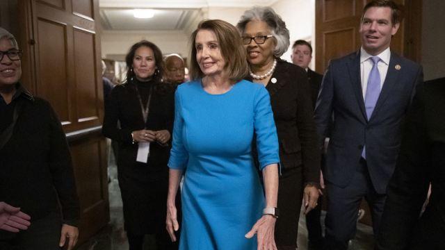 Pelosi obtiene nominación demócrata para la Cámara Baja