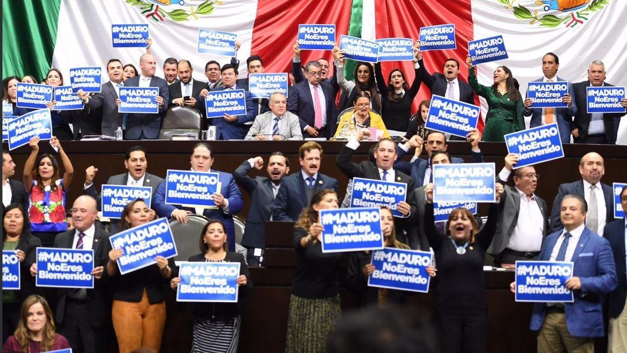 PAN protesta contra visita de Maduro en Cámara de Diputados