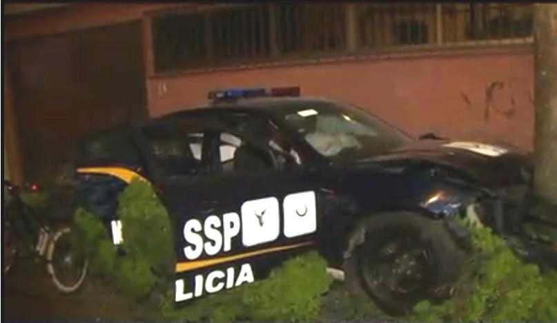 Policías de CDMX chocan patrulla contra casa en la Del Valle
