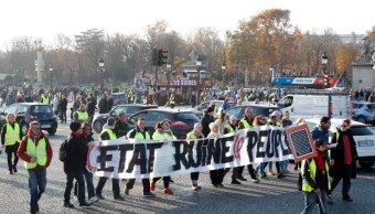 francia bloquean depositos petroleo en protesta gasolinazo