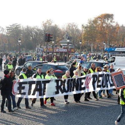 Francia: Bloquean depósitos de petróleo en protesta contra 'gasolinazo'