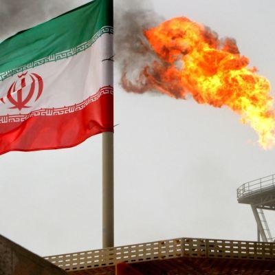 Entran en vigor sanciones de EU contra Irán, incluida venta de petróleo