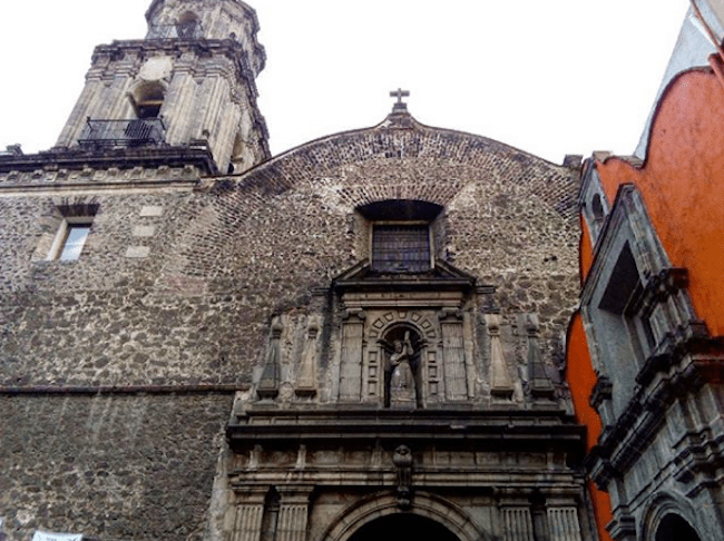 ¿Dónde está la tumba de Hernán Cortés?