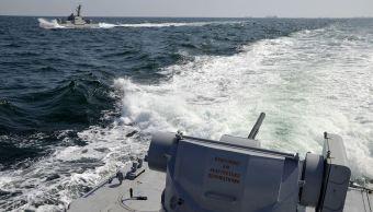 Ucrania acusa a Rusia de disparar a uno de sus buques