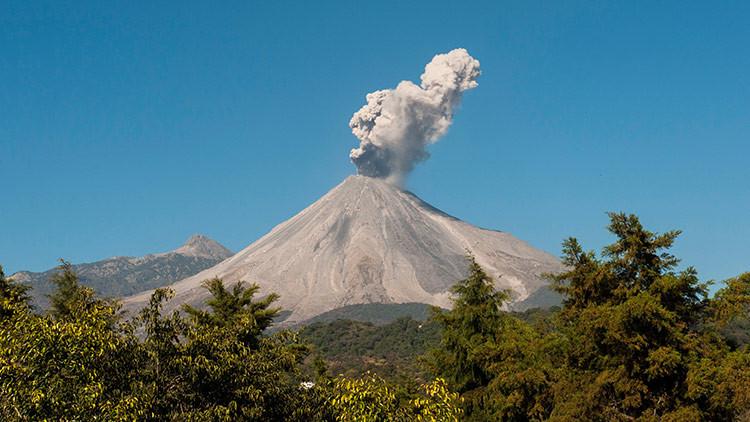 Volcán de Colima en erupción durante septiembre de 2016 (RT)