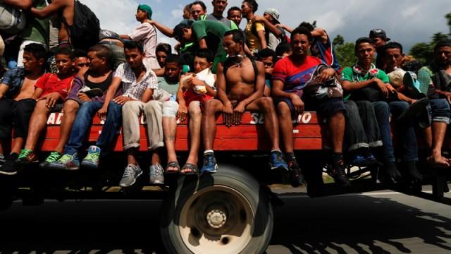 migrantes salvadoreños tapachula chiapas caravana metapa