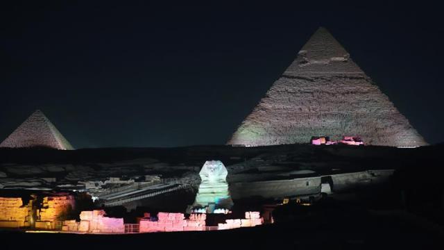 Egipto: Atentado contra autobús turístico en las pirámides de Giza deja cuatro muertos y 10 heridos
