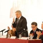 AMLO revisa el Presupuesto de Egresos 2019 con legisladores