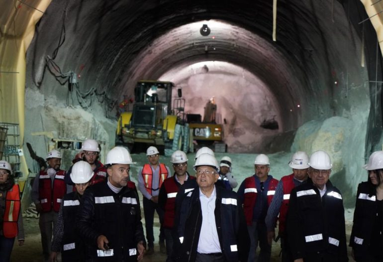 AMLO supervisa obras de ampliación de Línea 12 del Metro CDMX