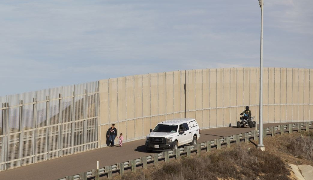 AMLO no tocó el tema del muro fronterizo con Trump
