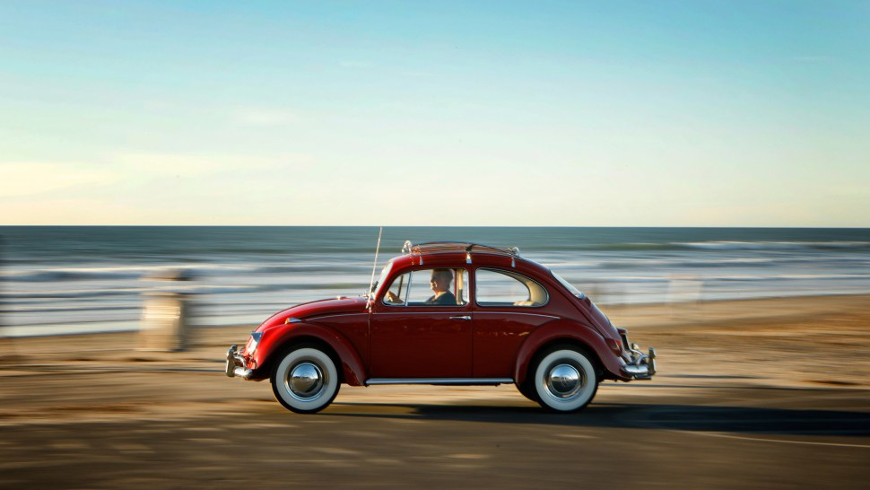 'Annie', el vochito de Kathleen Brooks, fue restaurado gratuitamente por la empresa para premiar la fidelidad que tiene a su auto (Volkswagen)