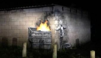 Un posible Banksy aparece en las paredes de la ciudad de Port Talbot en Gales