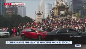 Comerciantes ambulantes marchan hacia Zócalo de CDMX