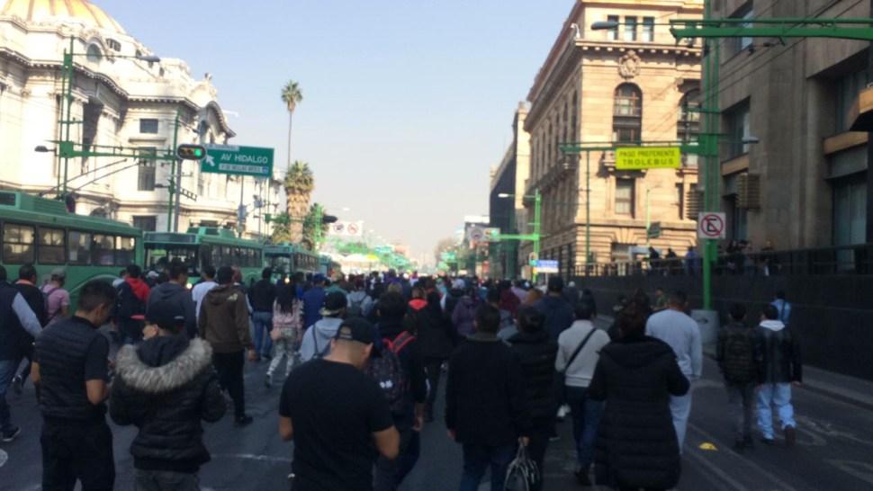 Comerciantes informales marchan sobre Reforma, CDMX