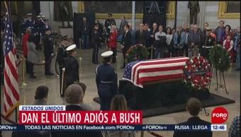 Continúan largas filas para dar último adiós a George H.W. Bush